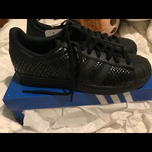 Le Adidas Nuovo Con Scatola Superstar W 41 12 Poshmark